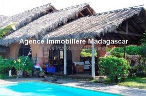 Location-annuelle-villa-plage-piscine-mahajanga1.jpg