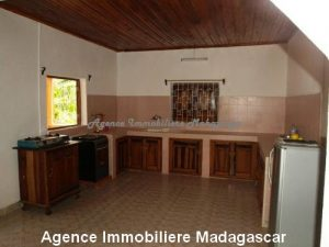 location-annuelle-villa-quartier-lycée-français-mahajanga4.jpg