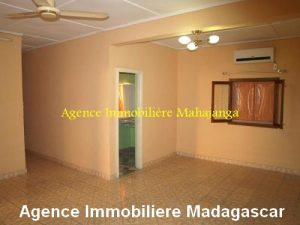 location-maison-ville-deux-chambres-garage-mahajanga-madagascar3.jpg