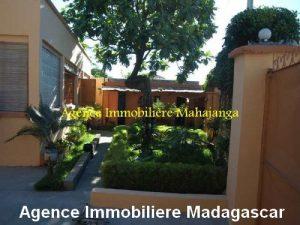 location-maison-ville-deux-chambres-garage-mahajanga-madagascar5.jpg