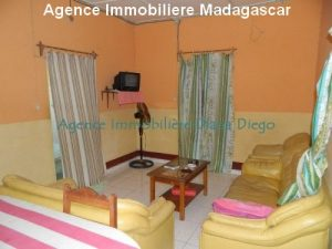 location-petite-maison-meublee-avec-trois-chambres-centre-ville-diego5.jpg