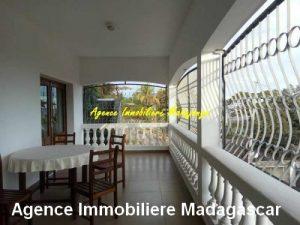locationlduplex-meuble-centre-ville-mahajanga.jpg