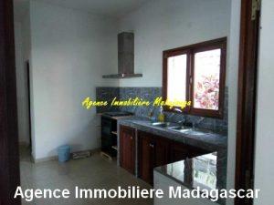 locationlduplex-meuble-centre-ville-mahajanga1.jpg