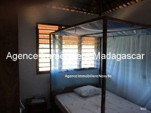 vente-villa-ambatoloka-3-mn-plage-sable-blanc5.jpg