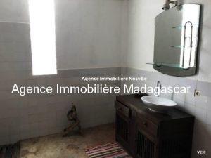 vente-villa-avec-chambres-d-hotes-plage-ambondrona-nosybe3.jpg