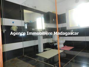 vente-villa-deux-appartements-diego-madagascar-6.JPG