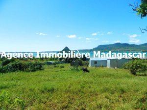 vente-terrain-croisement-y-diego-madagascar-1.JPG