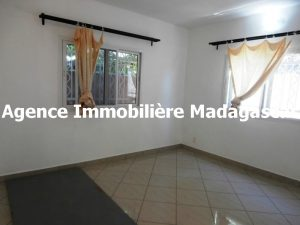 mahajanga-location-appartement-type-t4-madagascar.jpg